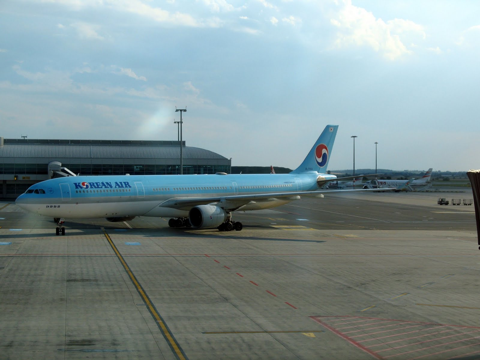 http://2.bp.blogspot.com/-tz2bWsj91Yg/Tesi-XfPYZI/AAAAAAAAEi8/461gwFs_i7Q/s1600/Korean%2BAirlines%2BWallpapers%2B%25289%2529.jpg
