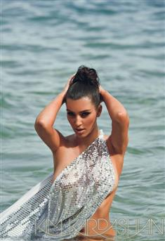 kim kardashain Transparent Top on beach Nipple Pokie