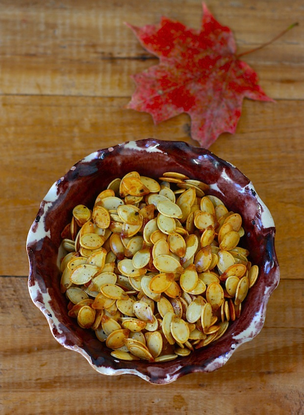Spicy Roasted Pumpkin Seeds by SeasonWithSpice.com