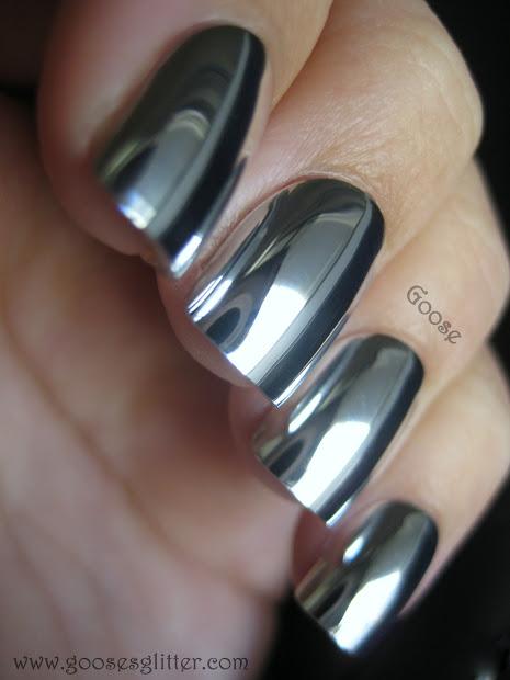 goose's glitter mirror nails