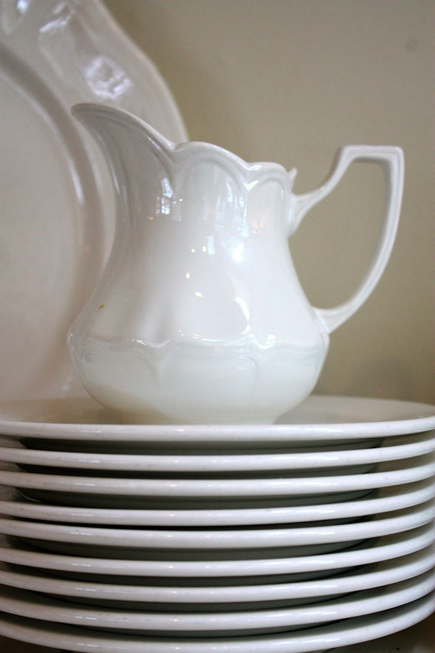~decorating with white dishes~ & My Sweet Savannah: ~decorating with white dishes~