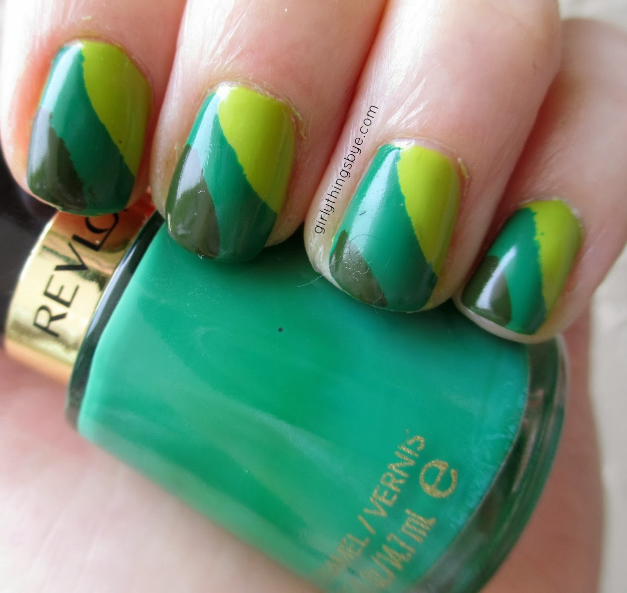 St. Patrick\'s Day Retro Nail Art | @girlythingsby_e | Beauty Chit Chat