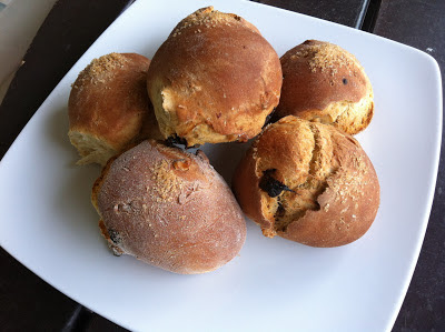 Γλυκά ψωμάκια με ξηρούς καρπούς