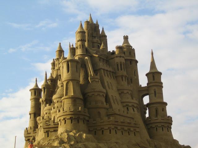 Amazing-Sand-castles-16