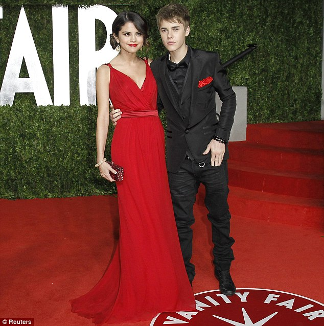 justin bieber red carpet. Gomez and Justin Bieber