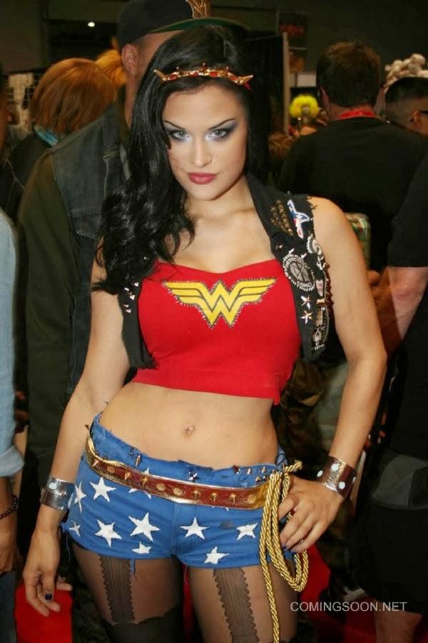 Wonder Woman Sexy Cosplay de la New York Comic Con 2013