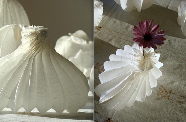 eco design: lampade di carta crespa a forma di vaso