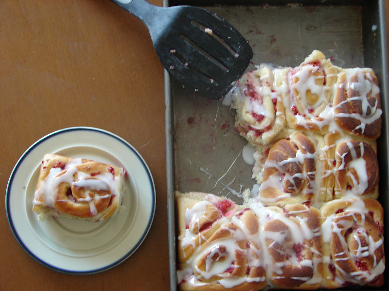 Pretty. Awkward. Life.: Lemony Raspberry Breakfast Rolls