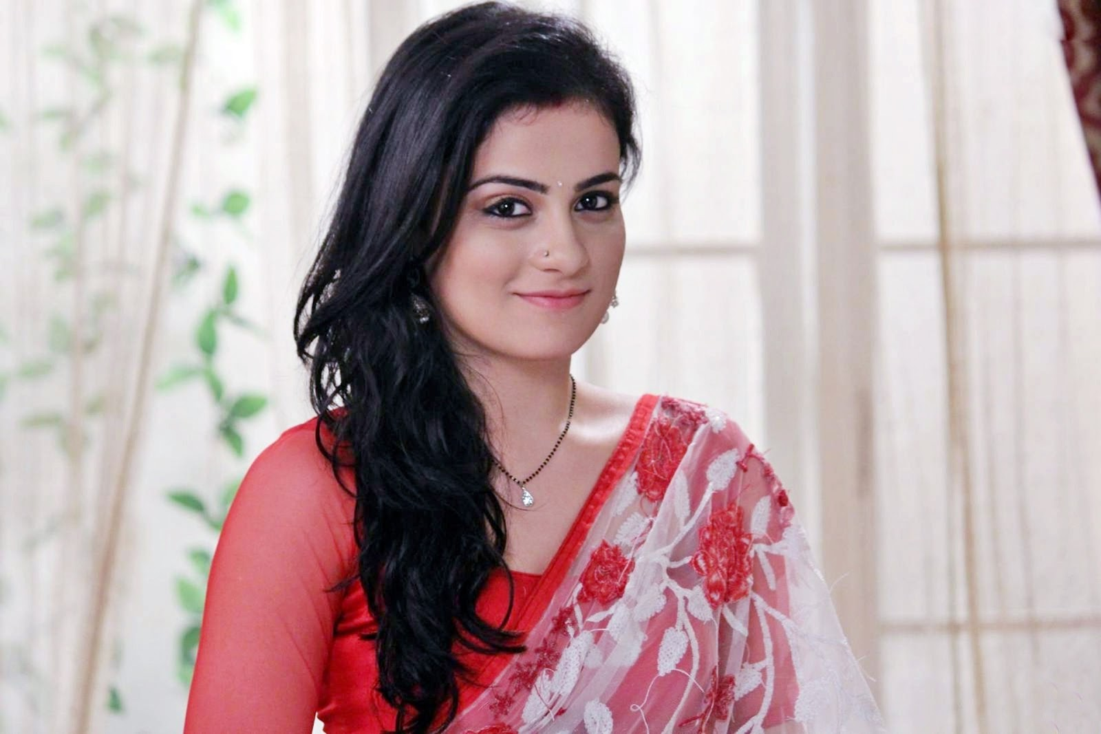 Radhika madan hd images of colors tv serial pictures to pin on - Meri Aashiqui Tumse Hi Serial Radhika Madan Hd Wallpapers