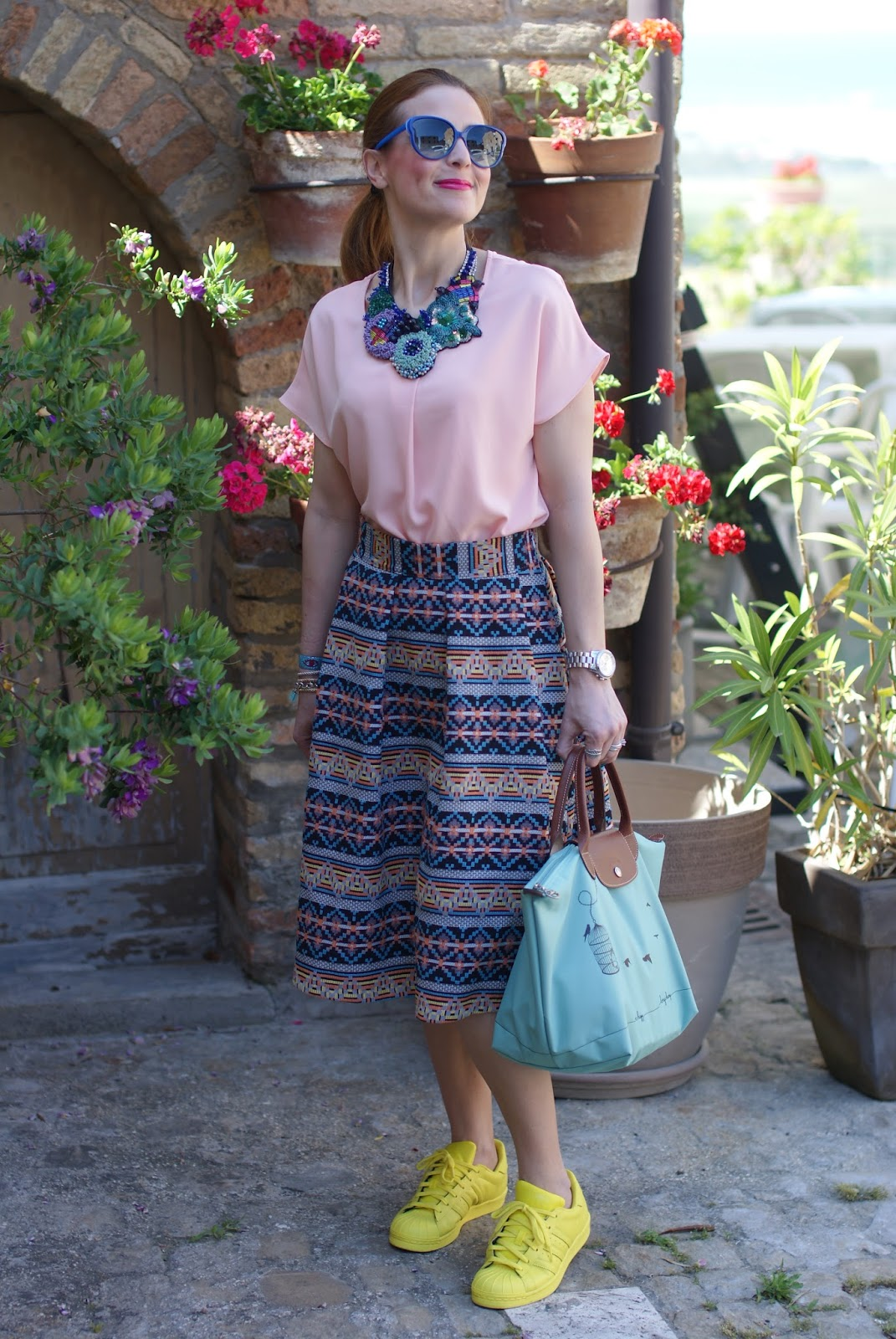 Le Pliage 2015, Longchamp Le Pliage cage aux oiseaux bag, jacquard midi skirt, adidas supercolor gialle, simonab bijoux necklace, Fashion and Cookies fashion blog
