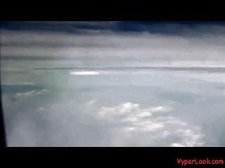 GRABAN BATALLA ENTRE OVNIS, (VIDEO)