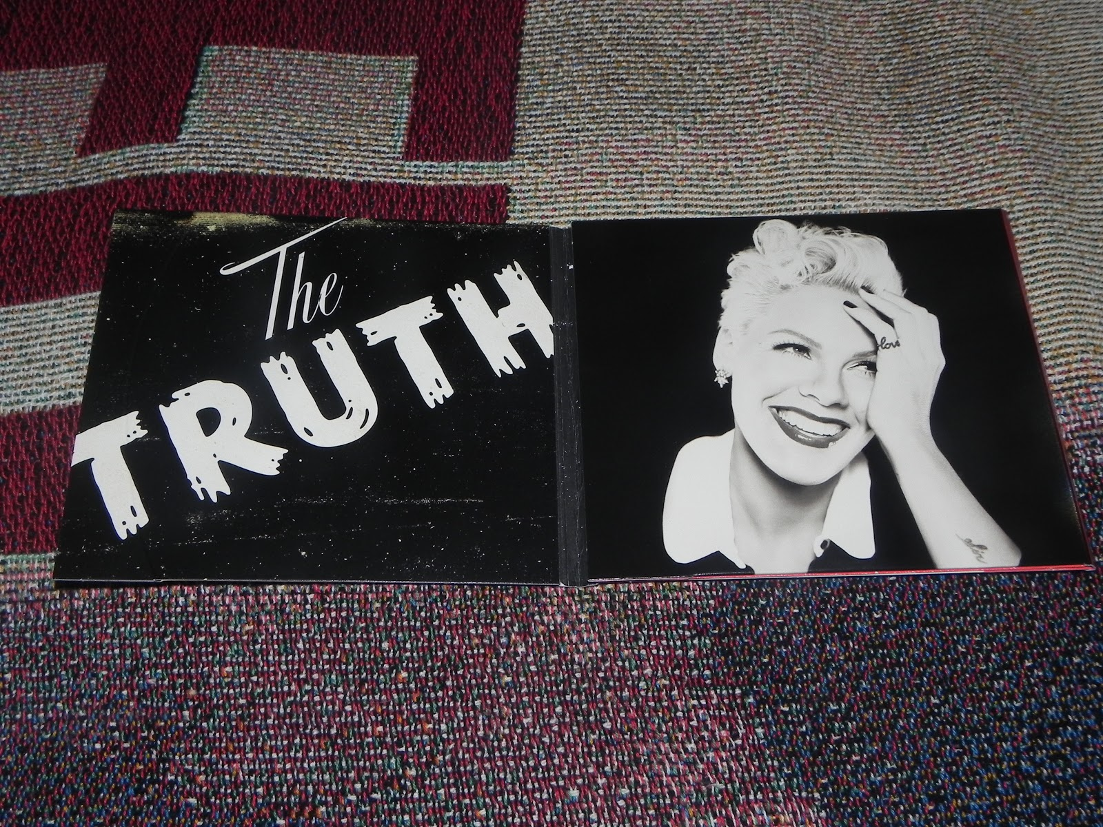 publicaf233 collection cd dvd the truth about love fan