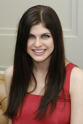 Alexandra Daddario Fashion Alexandra Daddario Fashion