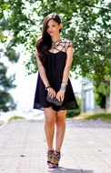 http://www.petitsweetcouture.com/2013/08/blogger-swap-black-dress.html