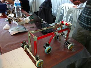 Merdiven çıkan robot yarışmasının birincisi işte burada