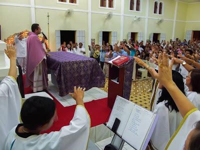 Imagens da Missa em ação de graças pelo 3º ano de ordenação de Pe. George