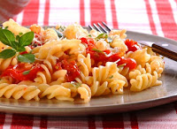 Macarrão com Tomate-Cereja e Ervas (vegana)