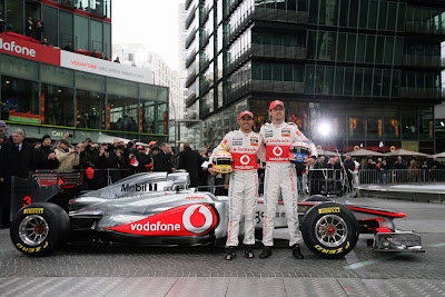 mclaren-mp4-26-f1-2011-With-F1-Raider