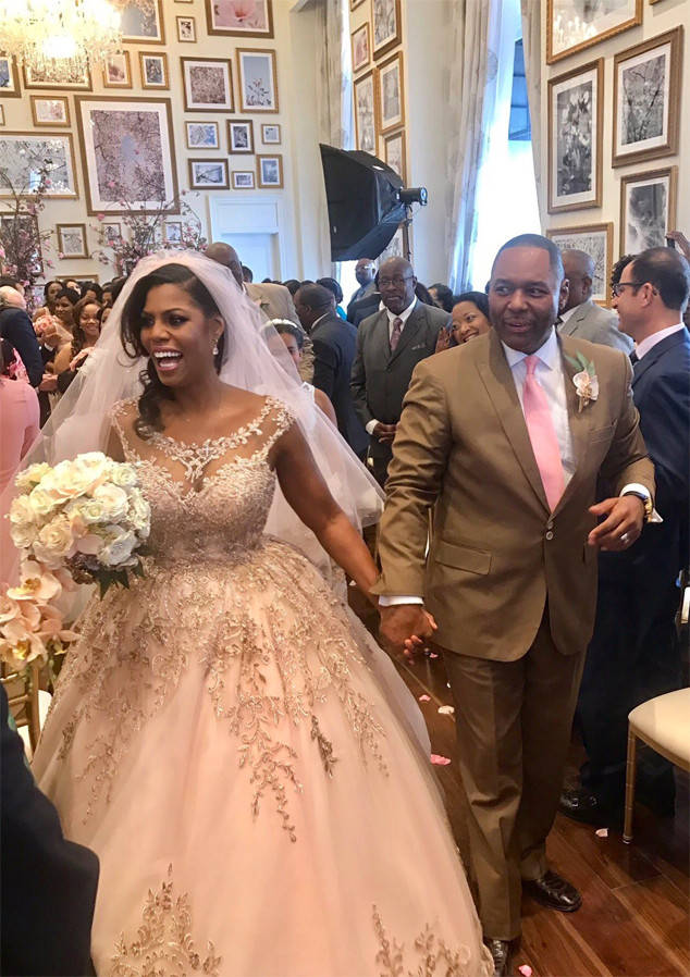 OMAROSA SAYS I DO, FOR RICH OR RICHER.