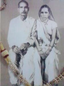 पूज्यनीय दादा जी स्वर्गीय श्री सत्यनारायण शुक्ल और स्वर्गीया श्रीमती सरयू देवी