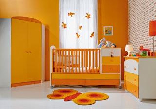 habitación bebé color naranja