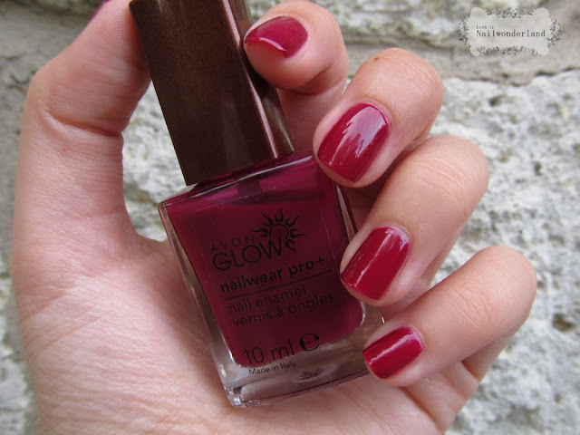 Avon Glow Nail Polish Plush Berry