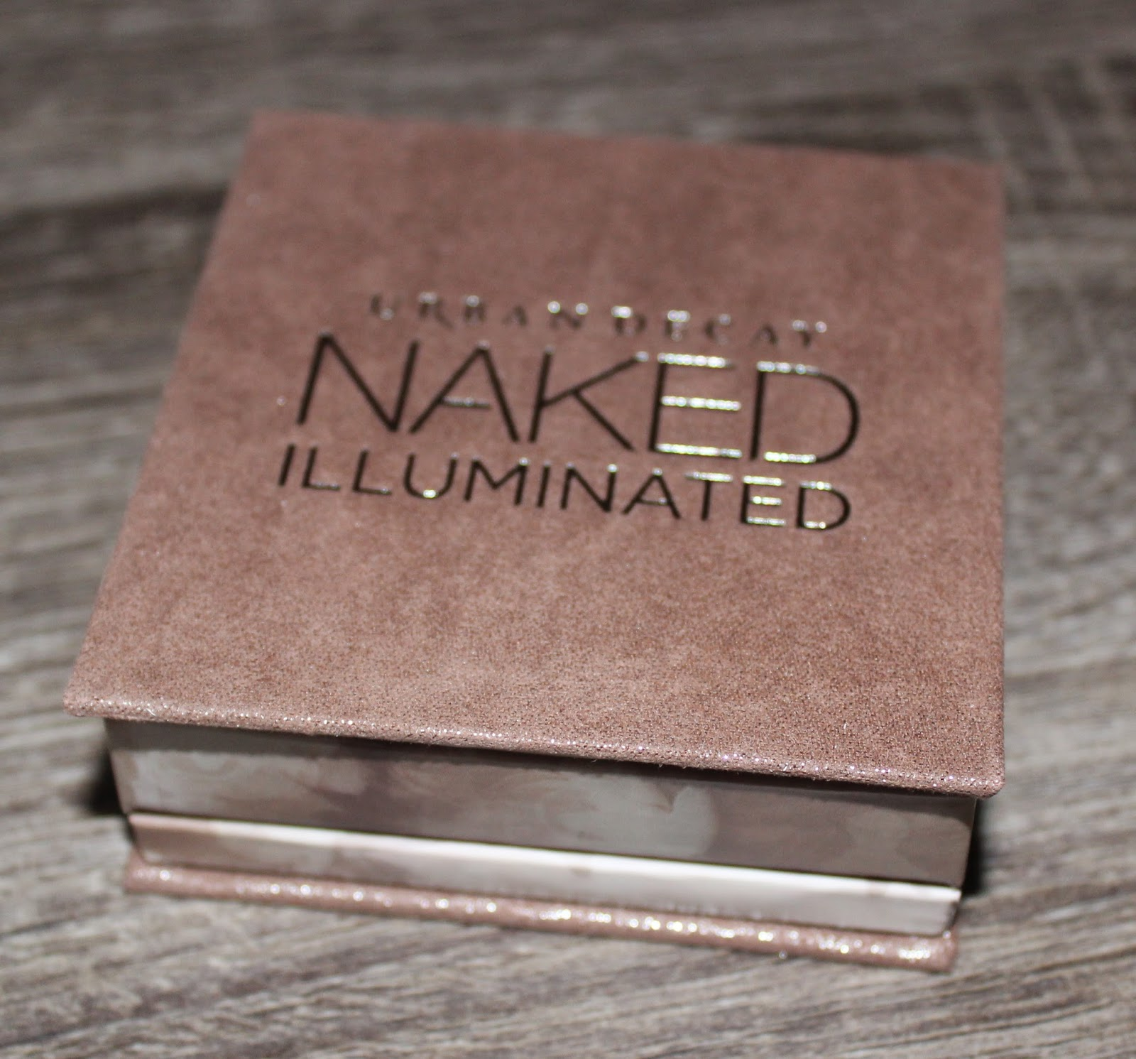Urban Decay Naked Illuminated in Luminous