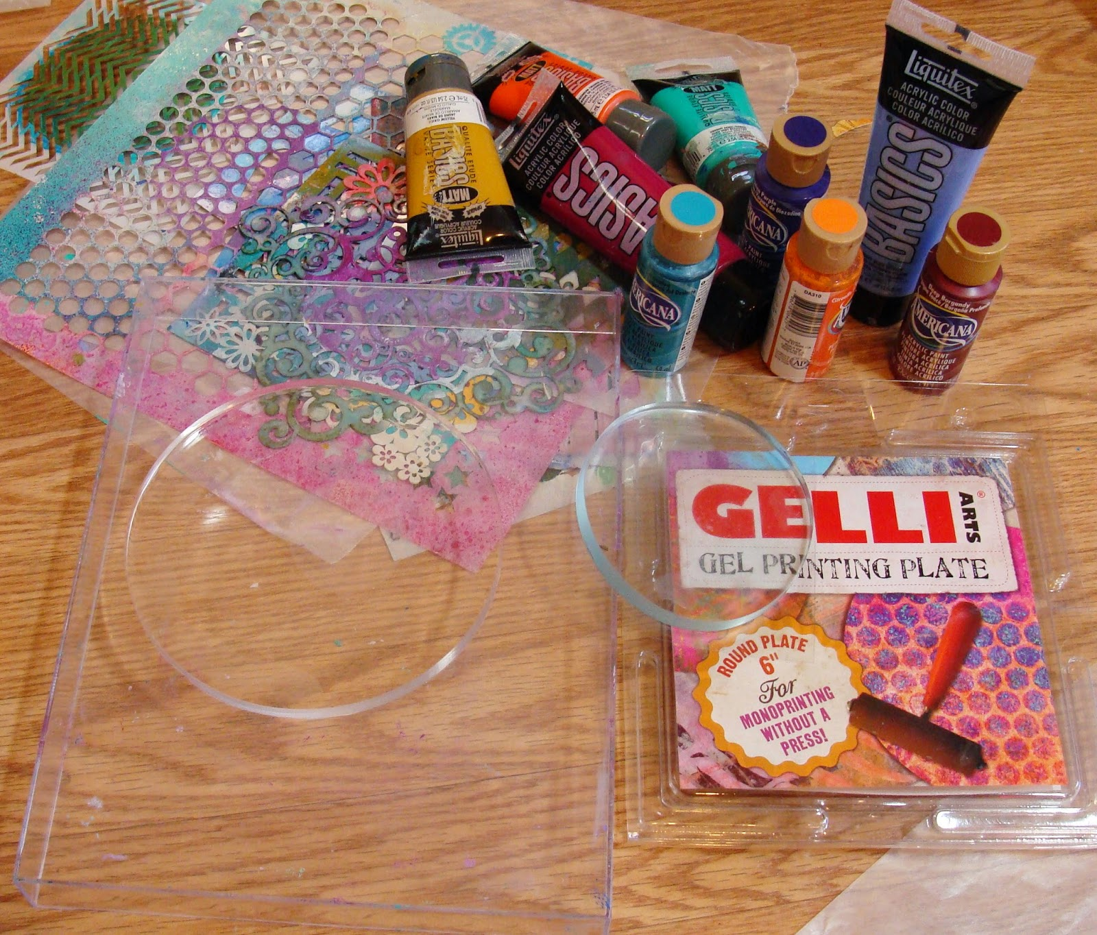 My art journal round gelli plate tutorial part 1 words anything clear and hard plastic glass mounting stamp block etc as long as you can see through it and the gelli plate adheres to it well baditri Gallery