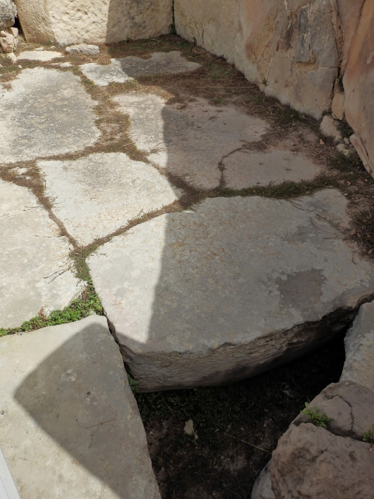 Thickness of the floors at Tarxien Temples, Malta