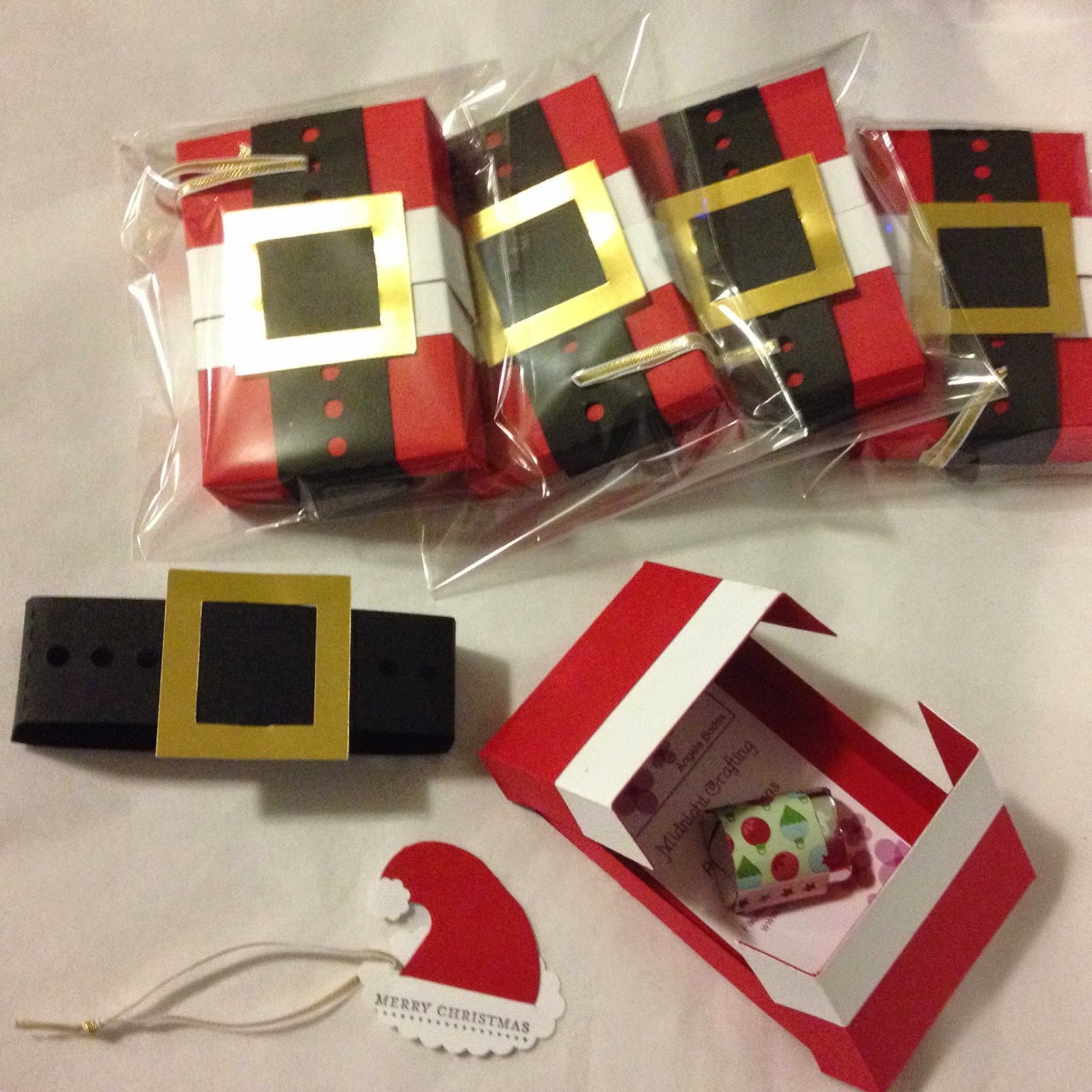 MidnightCrafting.com  Stampin Up Gift CArd Holder Santa Christmas