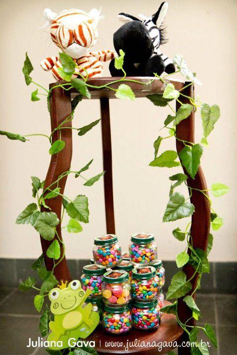 Kara 39 s party ideas rainforest jungle birthday party kara for Baby shower jungle theme decoration ideas