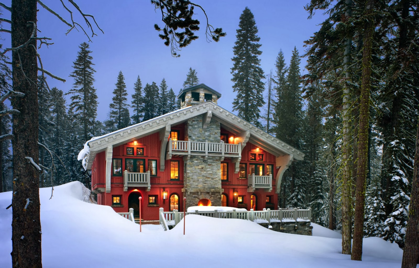 Vintage farmhouse alpine ski chalet for Chalet home designs