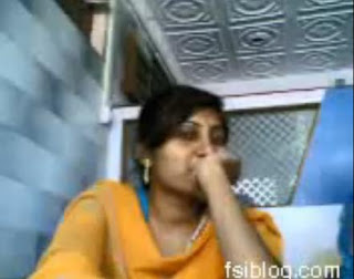 A Young Indian Couple Enjoying at Juice Bar cafe MMS Scandal