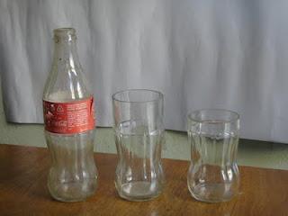 Copos de garrafas de coca cola em 2 tamanhos