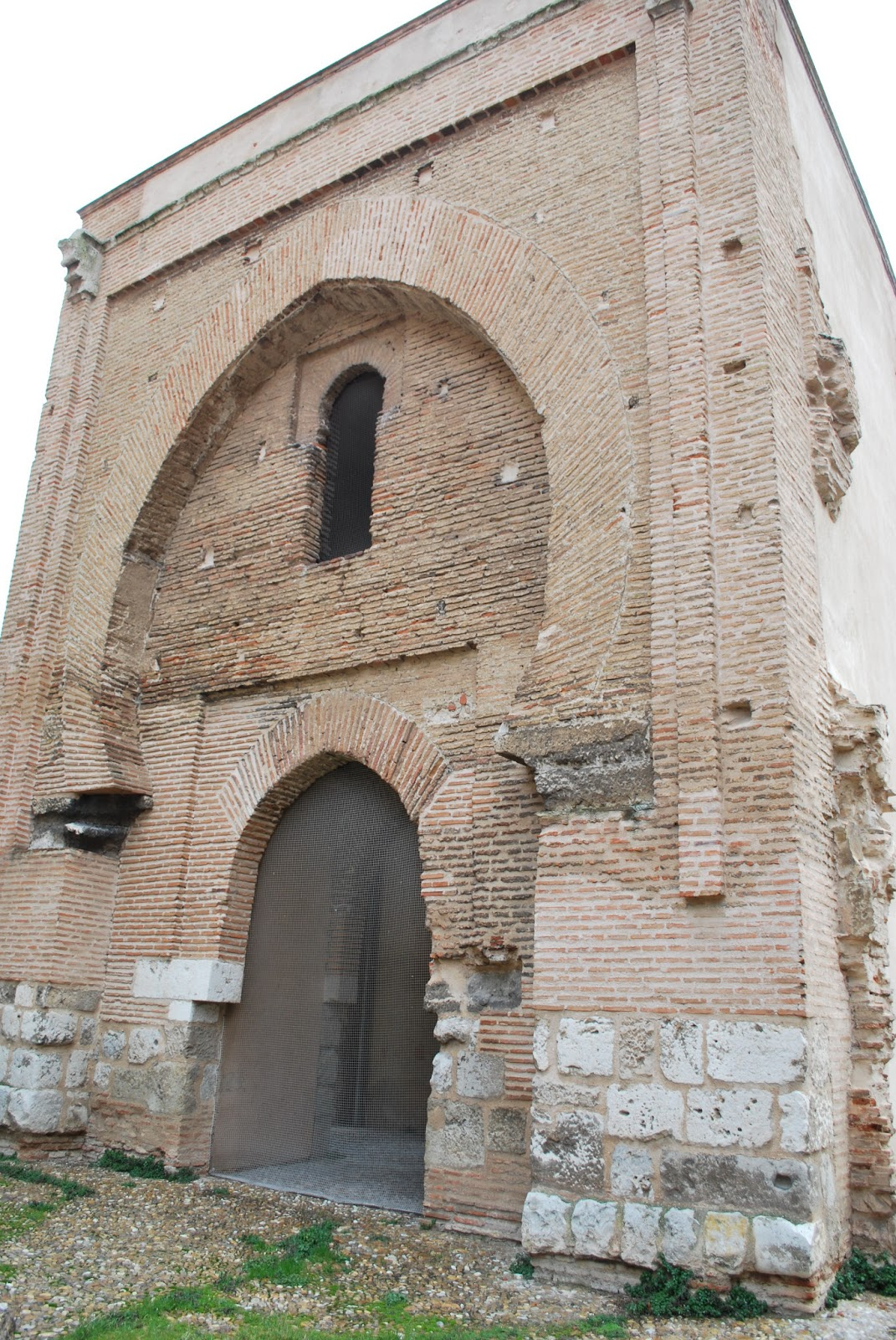 Arte en valladolid la puerta de la magdalena o del palacio de mar a de molina - Puertas en valladolid ...