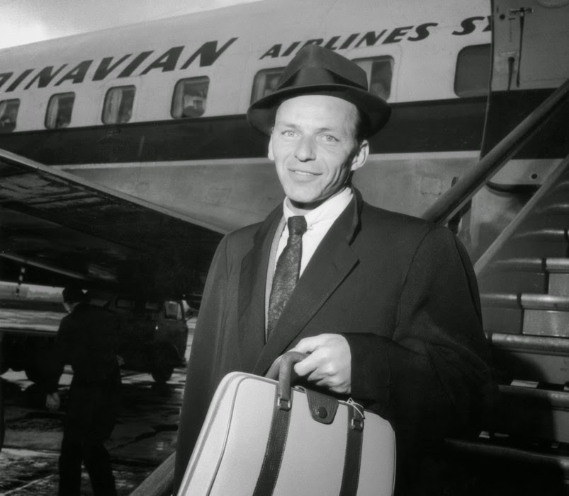 Frank-Sinatra-Airport-1956