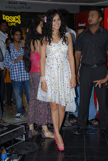 Tapsee Panu Spotted in Public in sizzling Spicy Floral Print Tight Mini Skirt