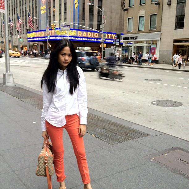 gambar liyana jasmay di new york