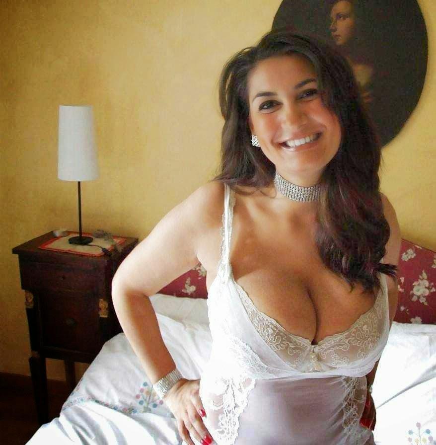 desi girls cleavage pics
