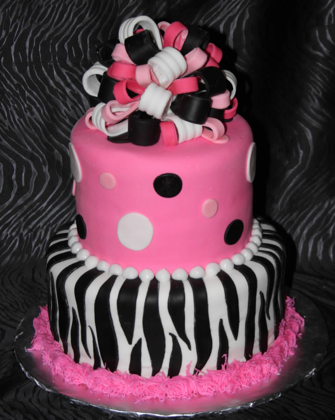 Zebra Design Birthday Cake : me-haMiza-says