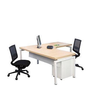 Office Furniture: Choosing The Right Computer Office Desk