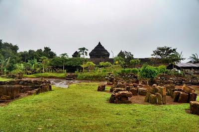 Kompleks cagar budaya Candi Ijo di Jogja