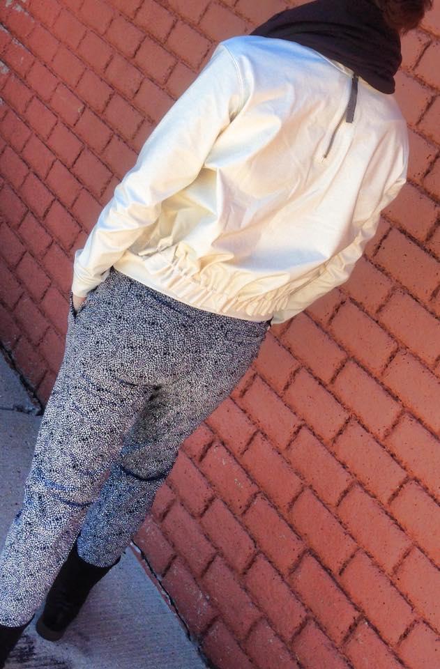 lululemon departure top pant back