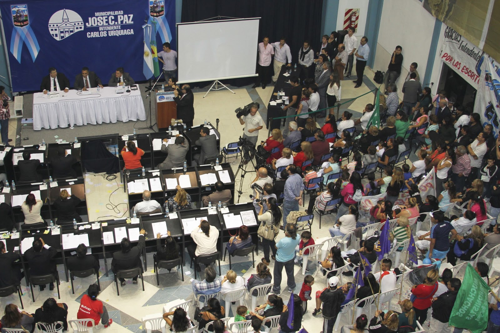 Prensa Municipalidad Jos C Paz Urquiaga En La Apertura