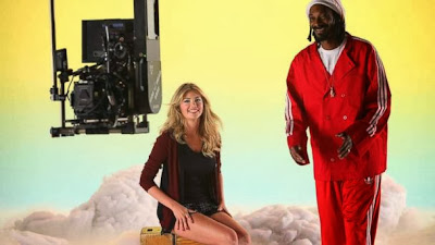 kate upton sings with snoop dogg and larry king. Black Bedroom Furniture Sets. Home Design Ideas
