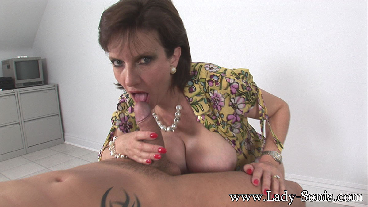 Free horny hot milf pic