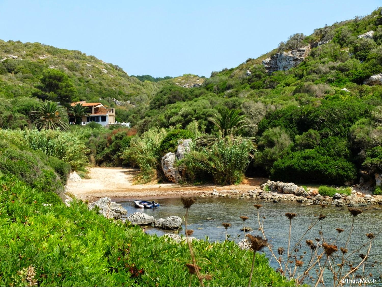 plage Lost amarrage port bateaux Calas Coves crique nécropoles grottes Minorque Menorca