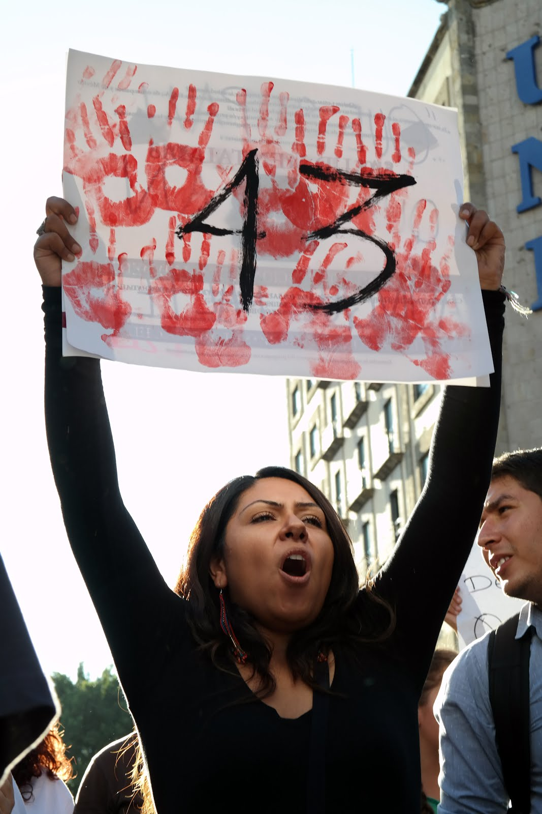 Mulheres engajadas na política - Sobre Ayotzinapan