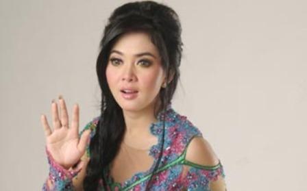 Syahrini - Penyanyi Paling Populer di Indonesia