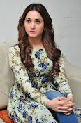 Tamanna latest glamorous photos-thumbnail-9